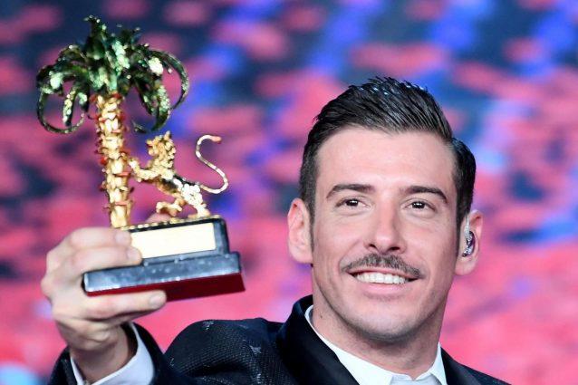 """SanRemo 2017: vince Francesco Gabbani con la sua """"Occidentali's Karma""""!!"""