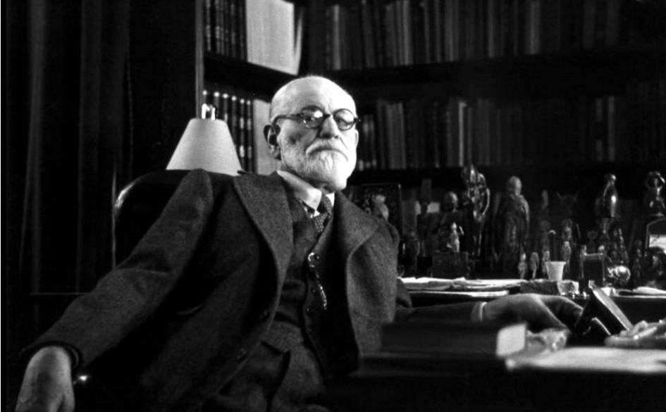 Sigmund Freud – Le masse hanno bisogno di illusioni.